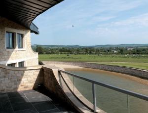 Swinhay_house_1_-_from_balcony