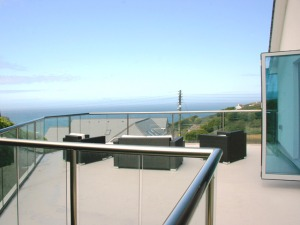 Tanya_kingsley_cornwall_balcony