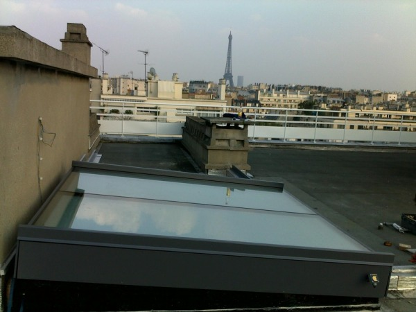 Sliding_rooflight_paris