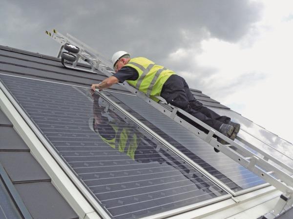 Solar_panel_bridging_ladder1
