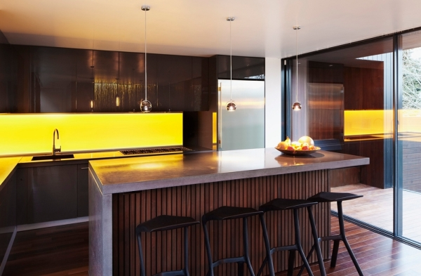 Yellowsplashback