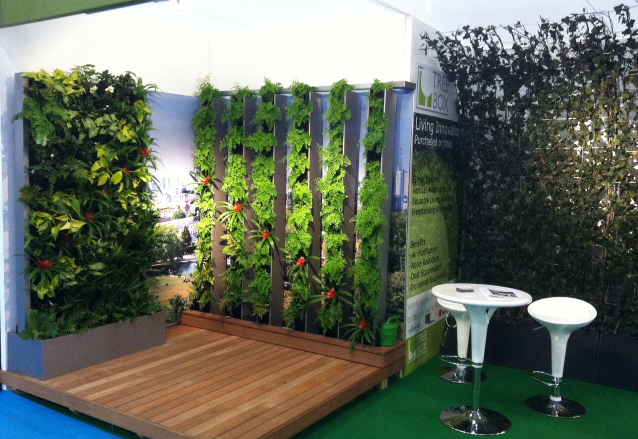 Vertical louvres living wall system takes treebox to new for Vertical green wall