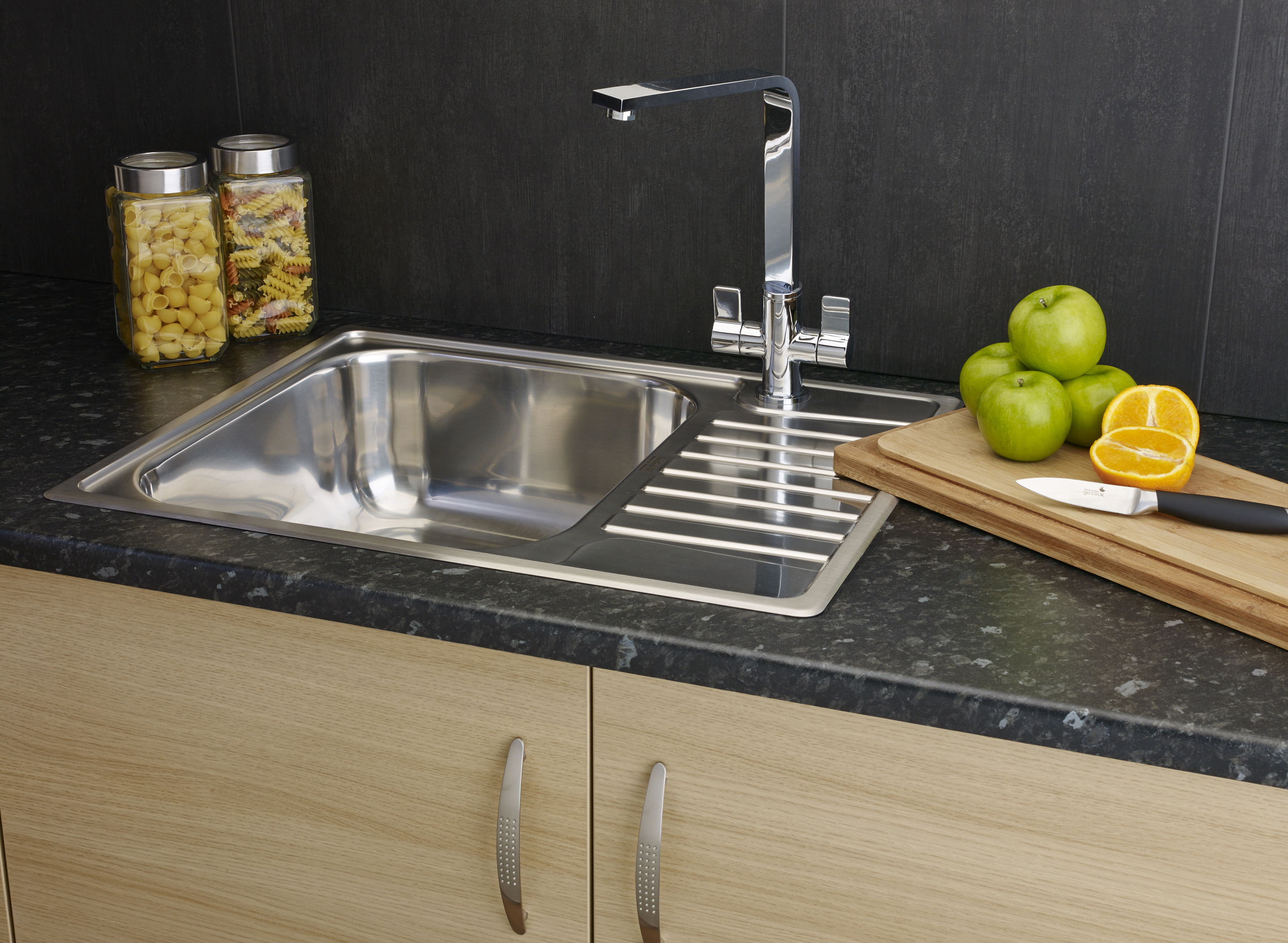 Featuring Modern Styling Combined With A Number Of Accessories The Sink Has A Standard Size Bowl And A Half Drainer And Measures 615 X 490mm In Total