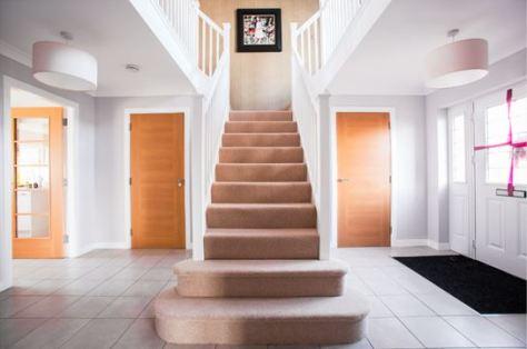 Dekordor CDW Oak used in hallway with DFG20 glazed option